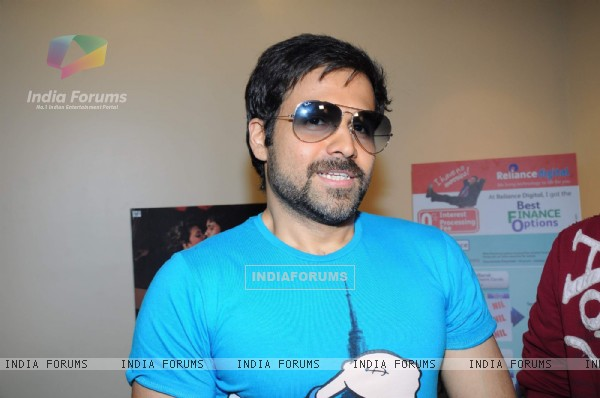 Emraan Hashmi at Vashi to promote Murder 2