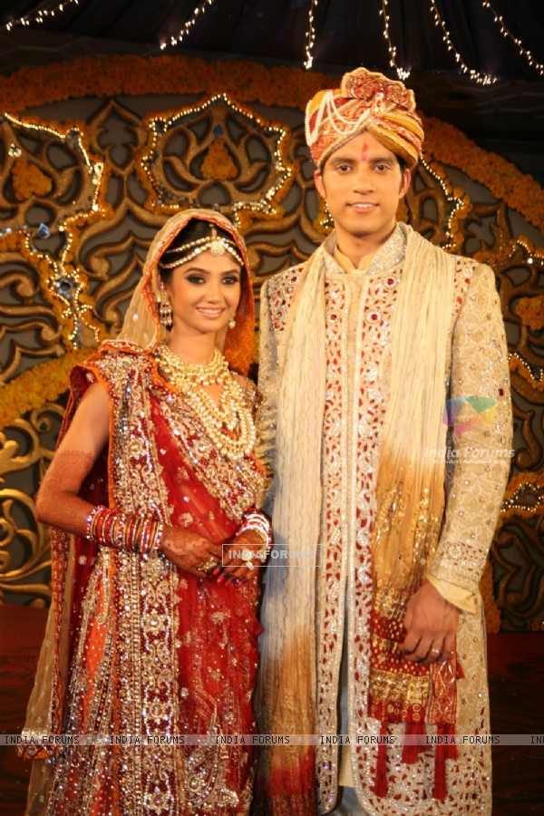 Ratan Rajput gets engaged to Abhinav Sharma on Imagine TV reality show Ratan Ka Rishta