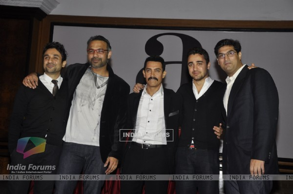 Aamir Khan, Imran, Vir Das, Kunal Roy at Delhi Belly Success Bash at Taj Lands End, Bandra