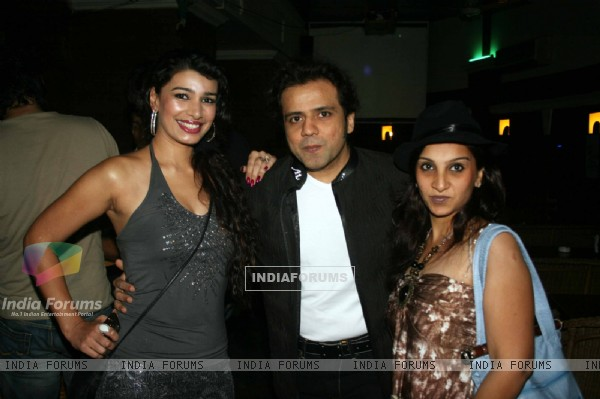 Celebs at Mink Brar 'MJ LIVES' party