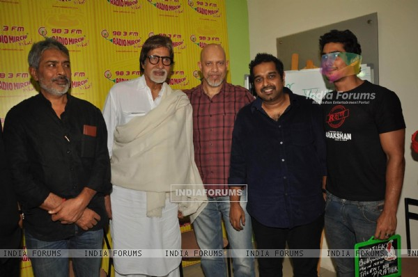 Big B with Aarakshan team at Radio Mirchi at Lower Parel