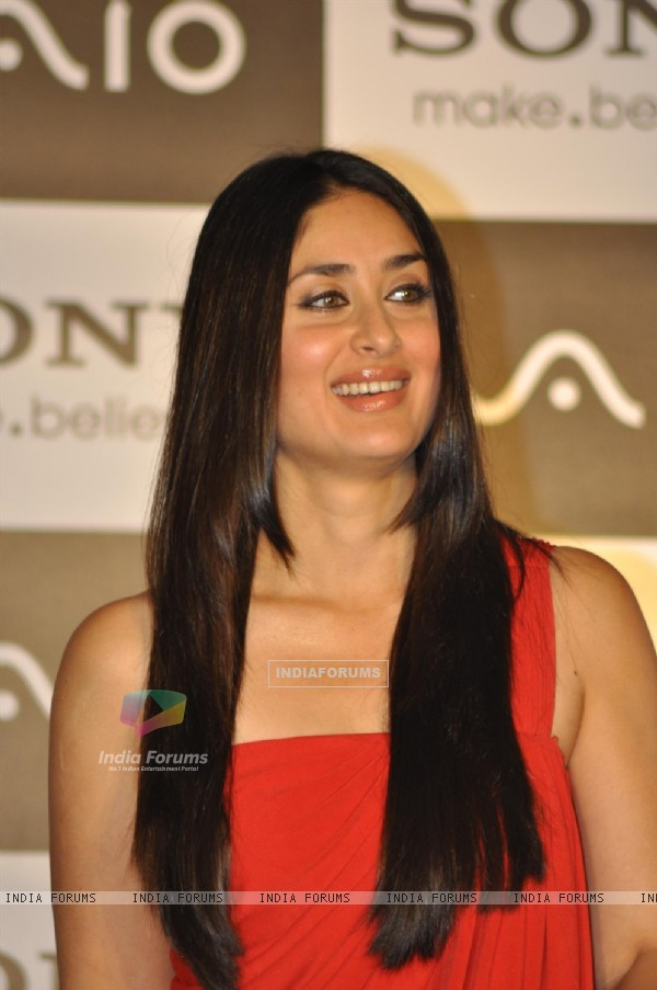 Kareena at press conference of Sony India in Hotel Hyatt Regency, Mumbai
