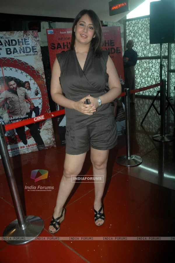 Preeti Jhangiani at Sahi Dandhe Galat Bande film press meet at Cinemax