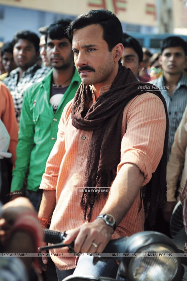Saif Ali Khan in the movie Aarakshan (147069)