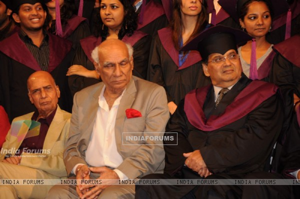 Yash Chopra at Subhash Ghai film school Whistling Woods 4th convocation ceremony at St Andrews