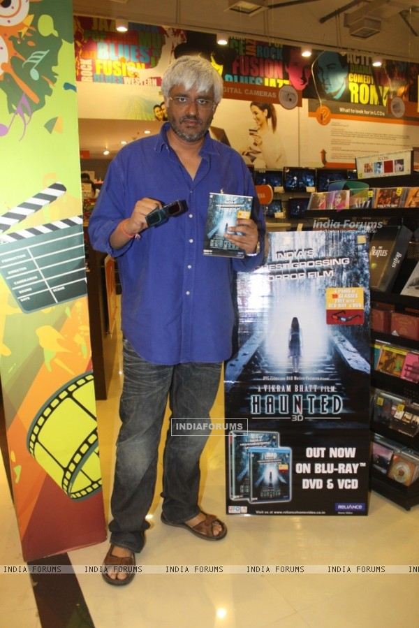 Vikram Bhatt at DVD launch of movie Haunted at planet M