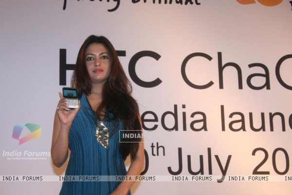 Riya Sen launch hTc Mobile at Grand Hyatt Hotel