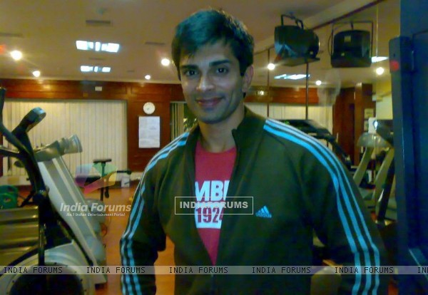 Karan Singh Grover at the Gym