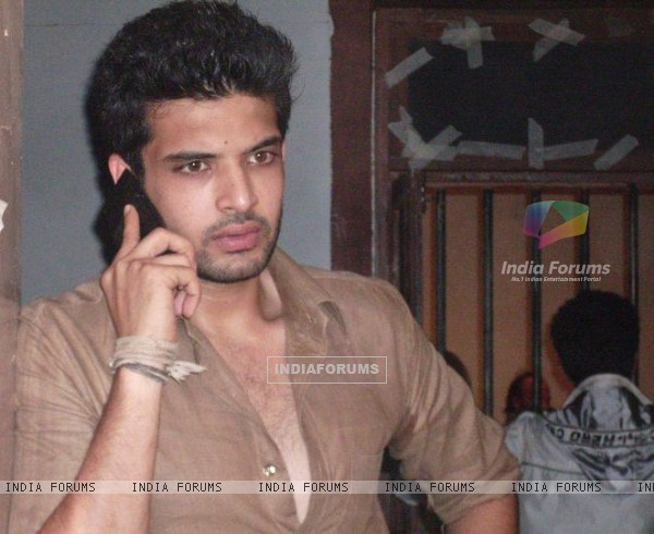 Karan Kundra on the sets of Kitani Mohabbat Hai-2 :