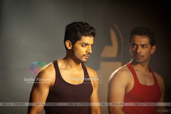 Gurmeet Choudhary and Abhinav Shukla from the show GHSP