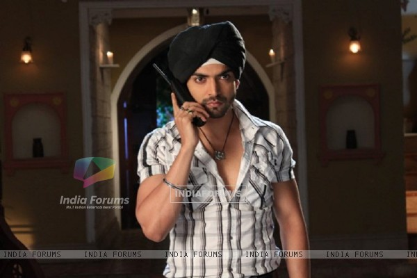 Gurmeet as Driver Balwanth Singh in GHSP