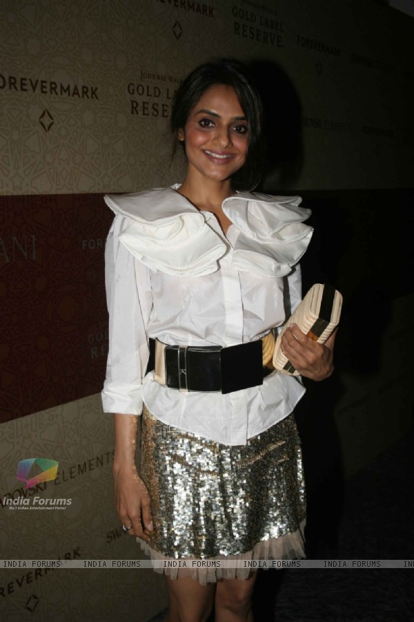 Madhoo at Tarun Tahiliani's Bridal Couture Exposition
