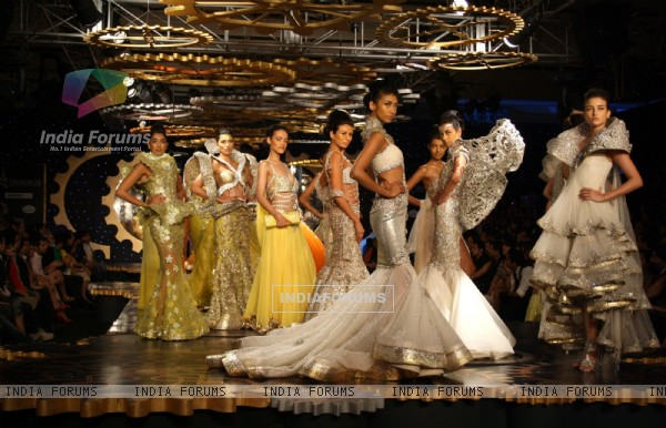 Models showcasing designer Suneet Verma's creations at the Synergy1 Delhi Couture Week,in New Delhi