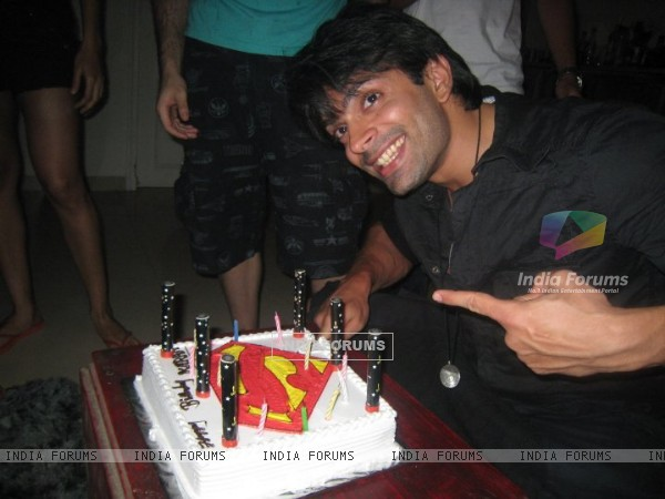 Karan Singh Grover on his birthday