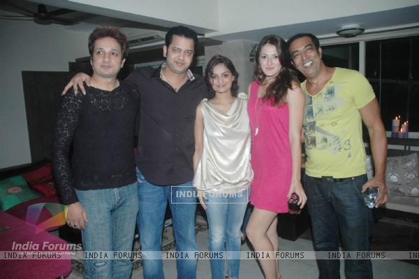 Vindoo Dara Singh, Dimpy at Rahul Mahajan's Birthday Bash