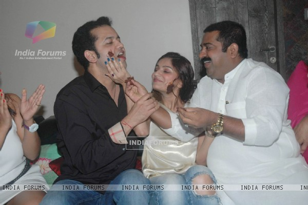 Rahul Mahajan celebrate Birthday with wife Dimpy