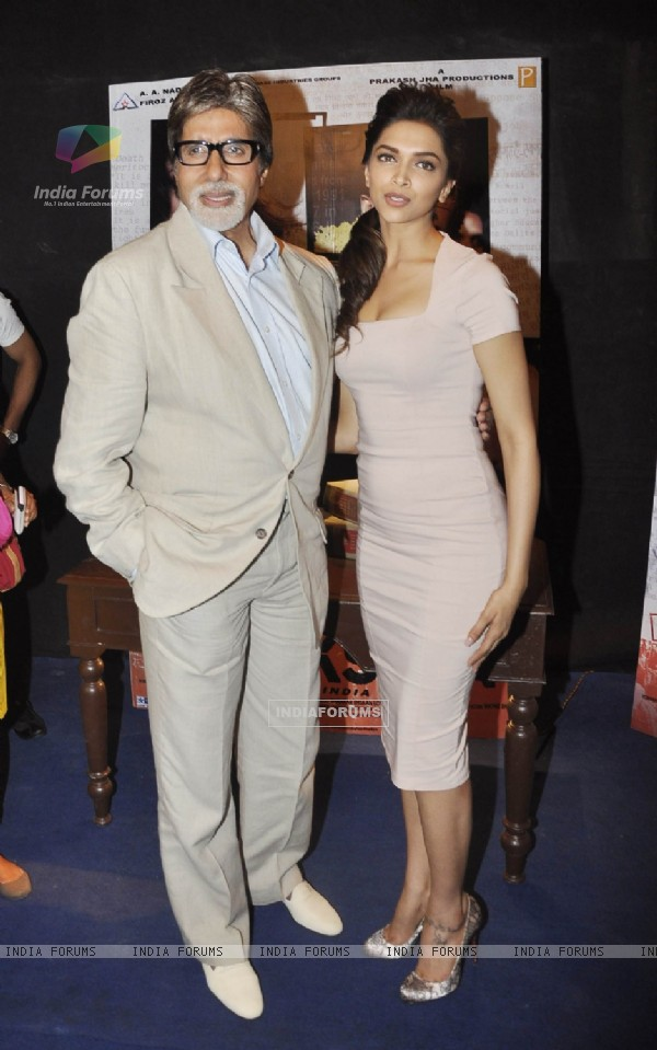 Amitabh and Deepika promote Aarakshan on the sets of UTV Bindaas