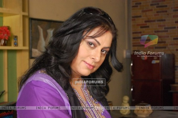 Renuka Israni as Shipra Sharma Priya's mom