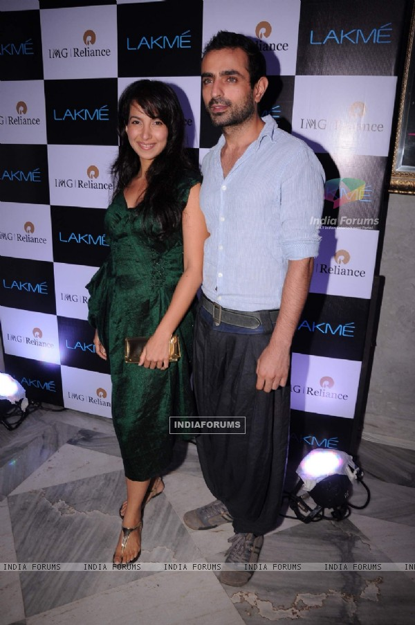 Shraddha Nigam and Mayank Anand at Lakme party at Busaba