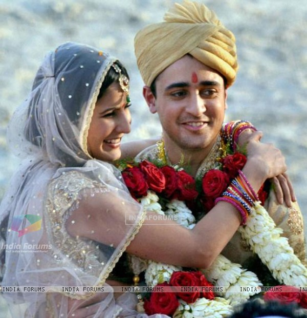 Katrina and Imran in Mere Brother Ki Dulhan (151013)