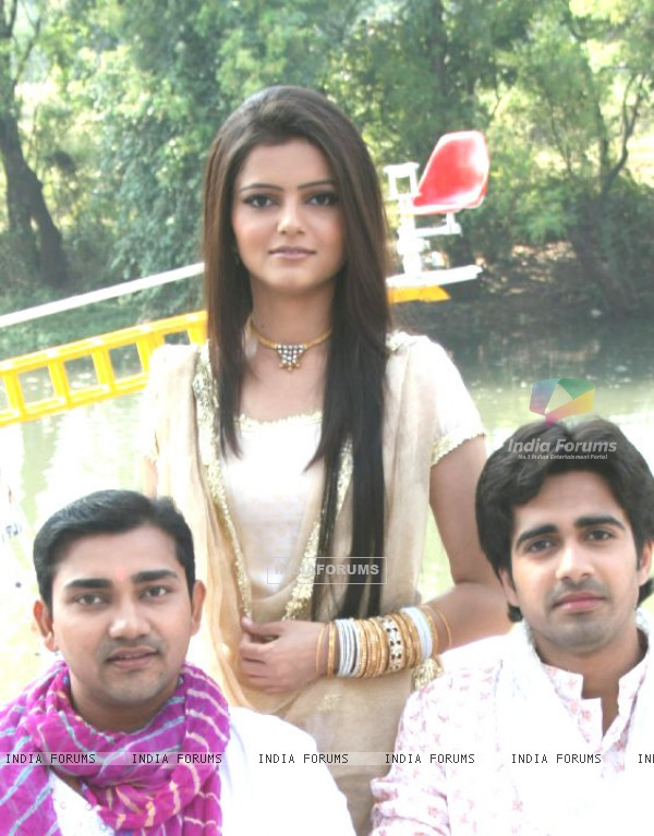 Avinash ,Rubina and Rishi during shooting of Choti bahu 1