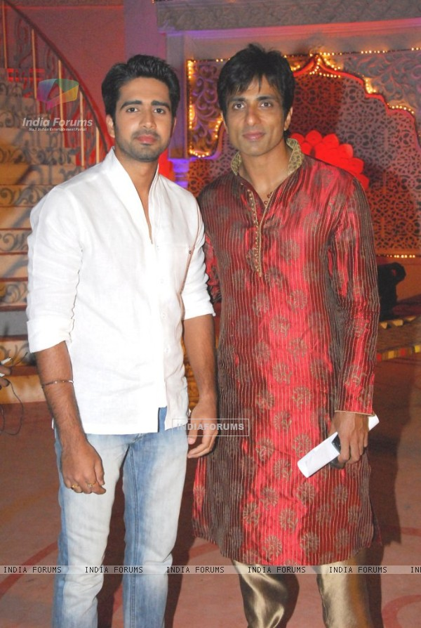 Avinash with Sonu Sood