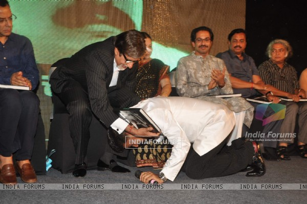 Megastar Amitabh Bachchan unveils Nitin Desai's book at his 25th year celebrations at JW Marriott in Mumbai.  .