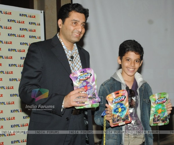 Darsheel Safary and Manish Newar CMD of Kool Kidz at the launch of FyrFlyz. .
