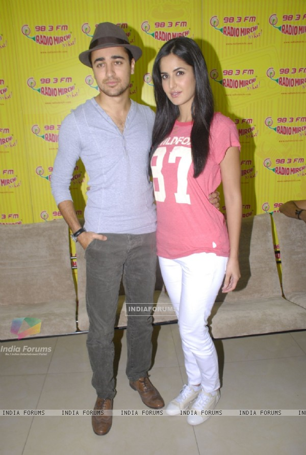 Imran and Katrina Promote MBKD at Radio Mirchi. . (153946)