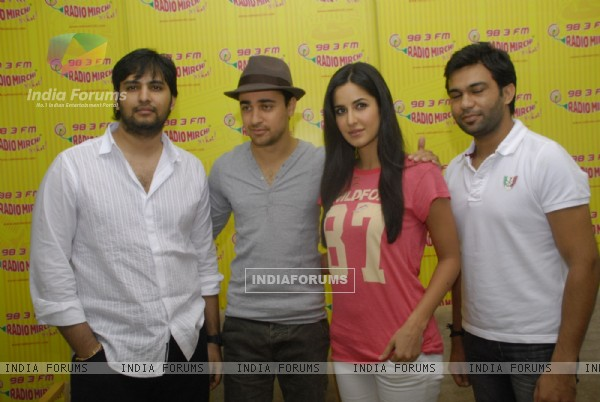 Imran and Katrina Promote MBKD at Radio Mirchi. . (153948)