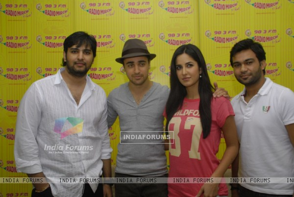 Imran and Katrina Promote MBKD at Radio Mirchi. . (153950)