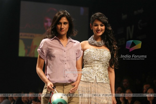 Rina Dhaka Presented An Utterly Feminine Glamorous Collection At Lakmé Fashion Week Winter/Fashion 2011
