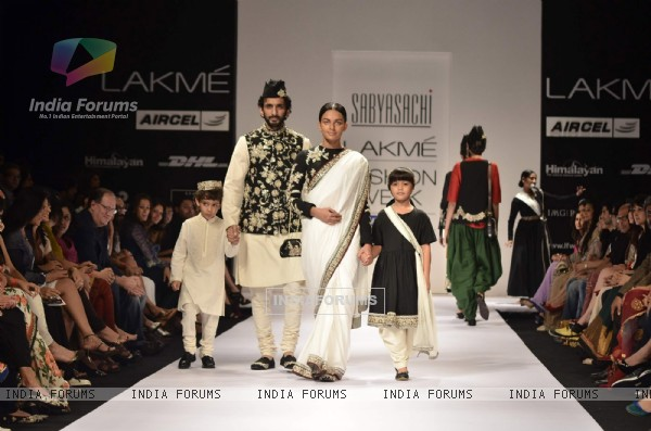 Models display creations by designer Sabyasachi during Lakme Fashion Week Day 3 in Mumbai. .