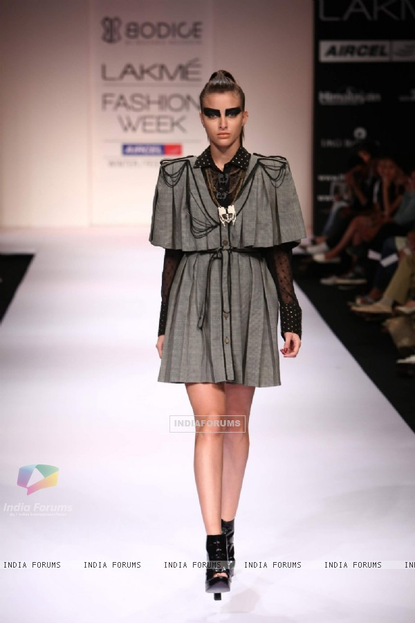 Model display creations by designer Ruchika Sachdeva during Lakme Fashion Week Day 3 in Mumbai. .