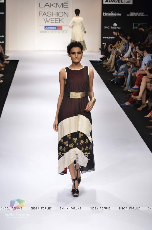 Model displays designer Nandita Thirani's creation during the Lakme Fashion Week Day 5 in Mumbai. .