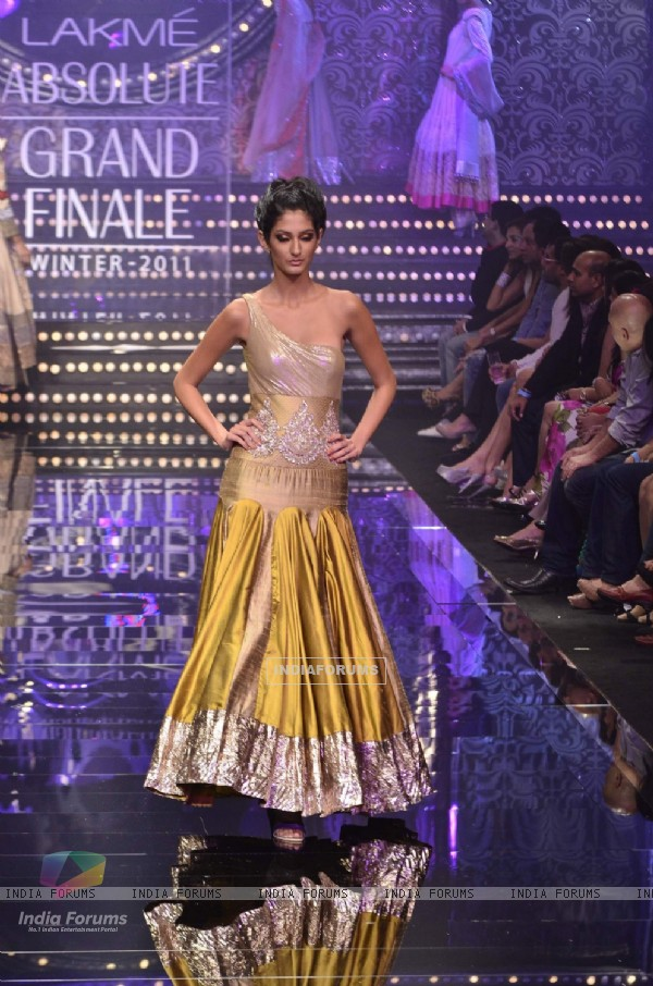 Model showcase creation by designer Manish Malhotra during the Lakme Fashion Week Day 5 in Mumbai. .
