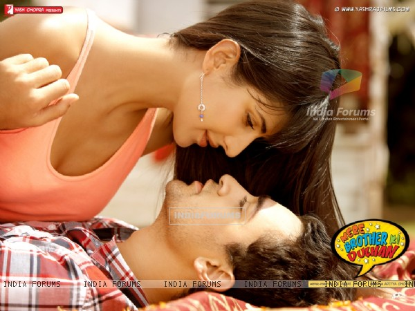 Imran Khan and Katrina Kaif in movie Mere Brother Ki Dulhan (156100)