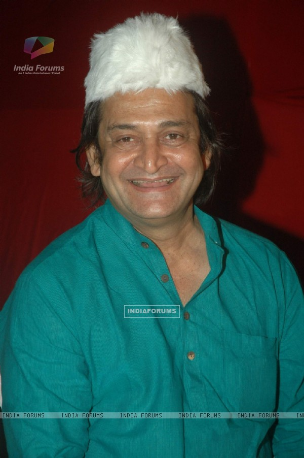 Mahesh Manjrekar at Iftar party hosted by Babloo Aziz at Sanatacruz