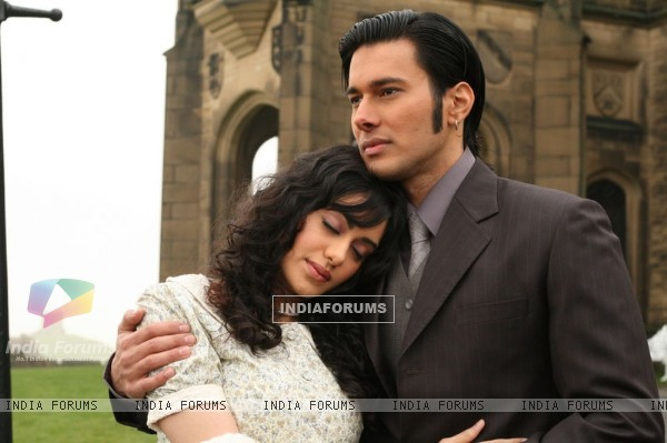 Rajneesh Duggal and Adah Sharma  in the movie 1920 (15658)