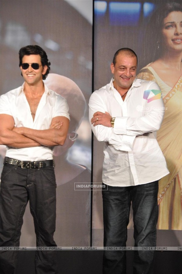 Sanjay Dutt and Hrithik Roshan at 'Agneepath' trailer launch event at JW.Mariott