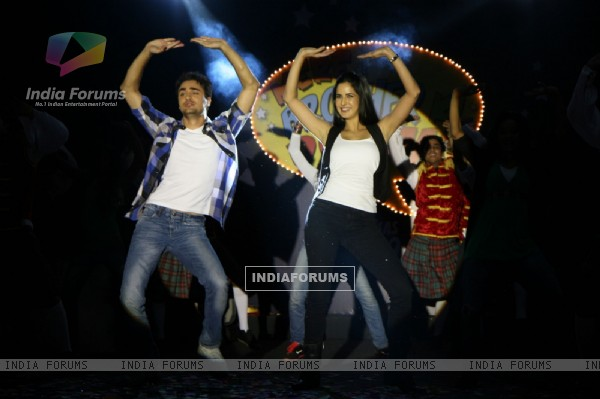 Imran Khan and Katrina Kaif promote 'Mere Brother Ki Dulhan' at Inorbit Mall (156891)