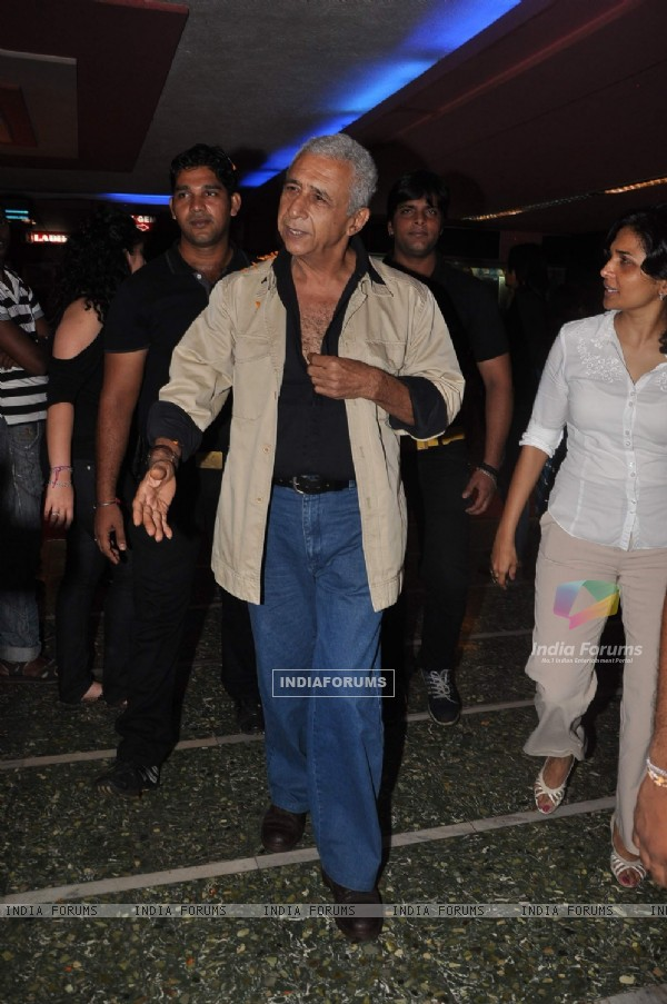 Naseeruddin Shah at first look of 'The Dirty Picture' at Bandra