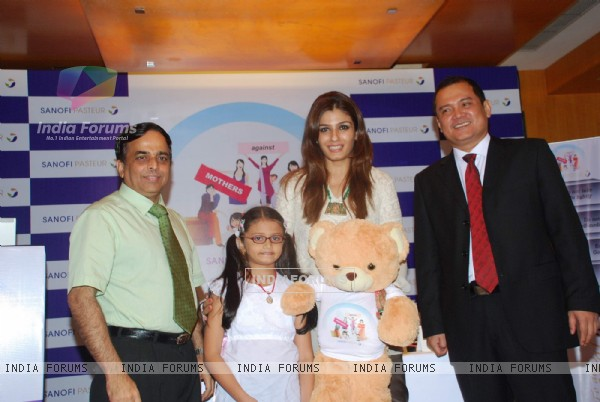 Raveena Tandon at Mothers against Flu press meet at Four Seasons. .