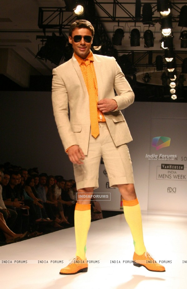 A model showcasing designer Ashish N Soni's creation at the Van Heusen India Mens Week 2011,in New Delhi on Saturday. .