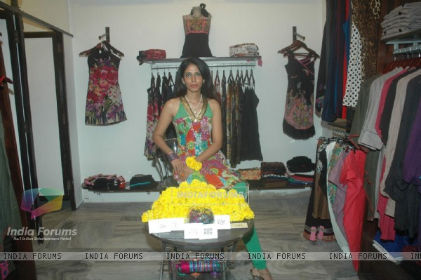 Richa Chadda and Sudeepa Singh at festive collection launch at Golmaal Store Lokhandwala, Andheri on 4th Sept 2011. .