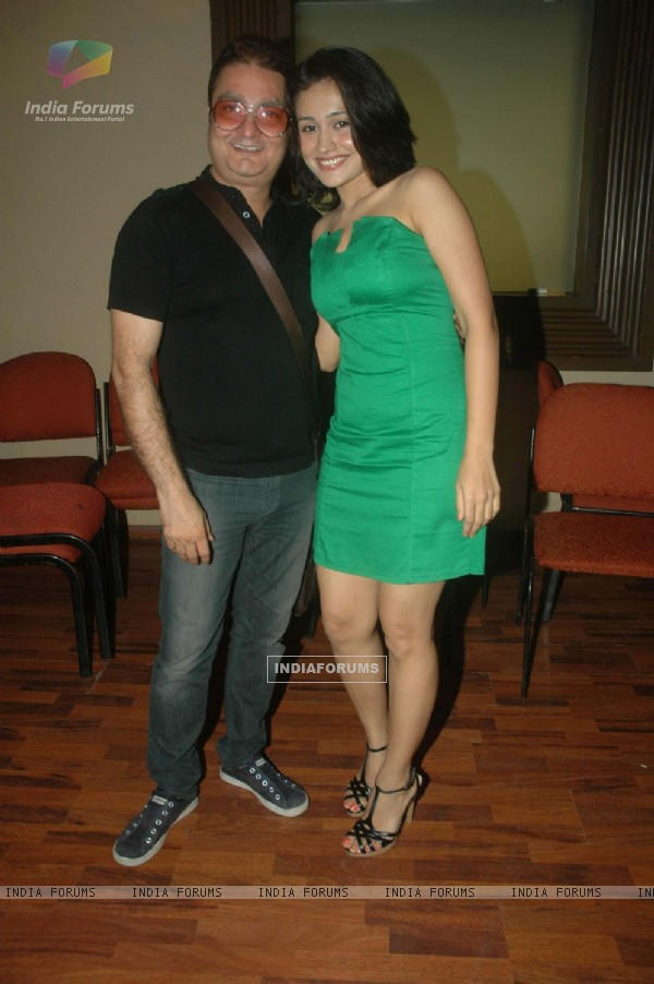 Vinay Pathak and Sasha Goradia at 'Tere Mere Phere' film promotional event