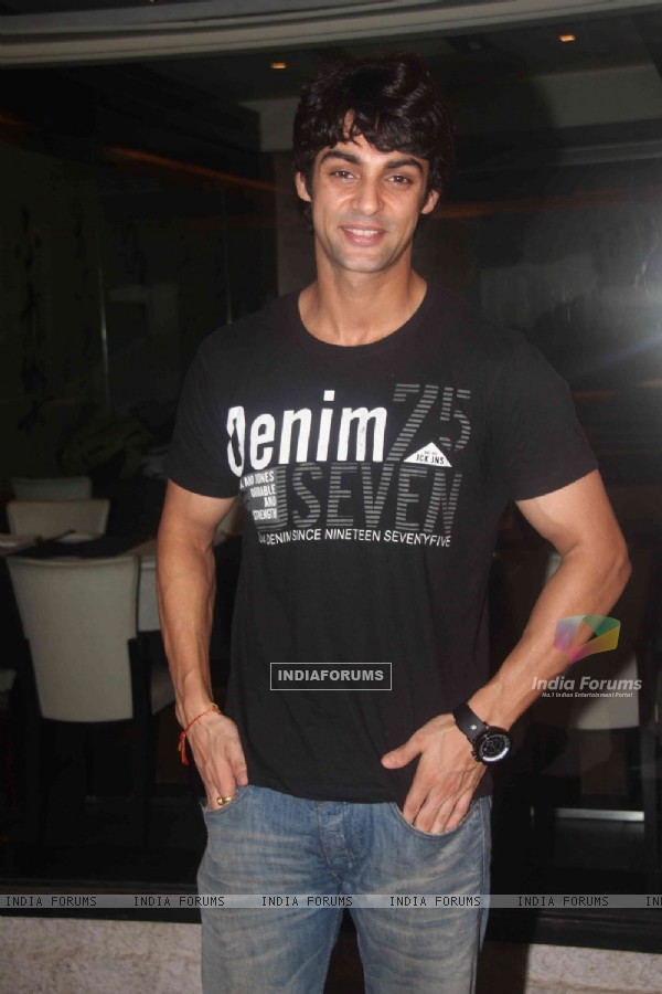 Karan Wahi at Ritz Jee Le Ye Pal press meet, Vie Lounge