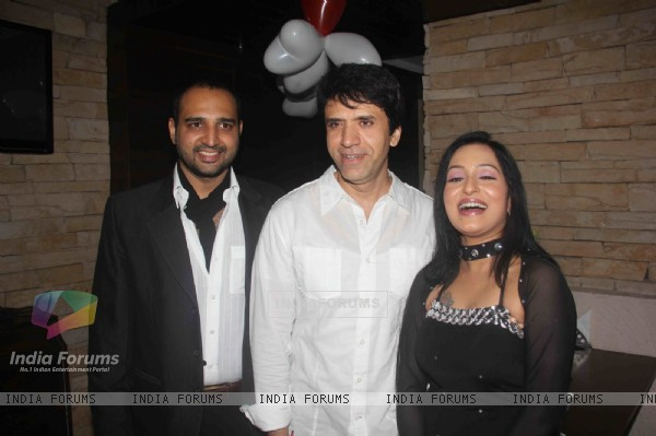 Sooraj Thapar at Birthday party of tv actress Sangeeta Kapure