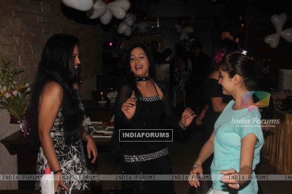 Rubina and Sushmita at Birthday party of tv actress Sangeeta Kapure