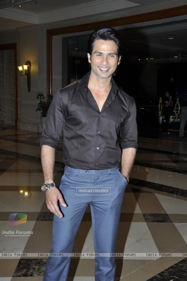 Shahid Kapoor at Music success party of film 'Mausam' at Hotel JW Marriott in Juhu, Mumbai (158138)